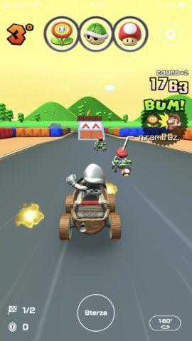 Mario metallo usa il fiore di fuoco in Mario Kart Tour.